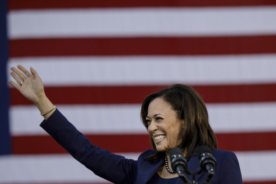 In her hometown of Oakland, Harris announces her campaign.